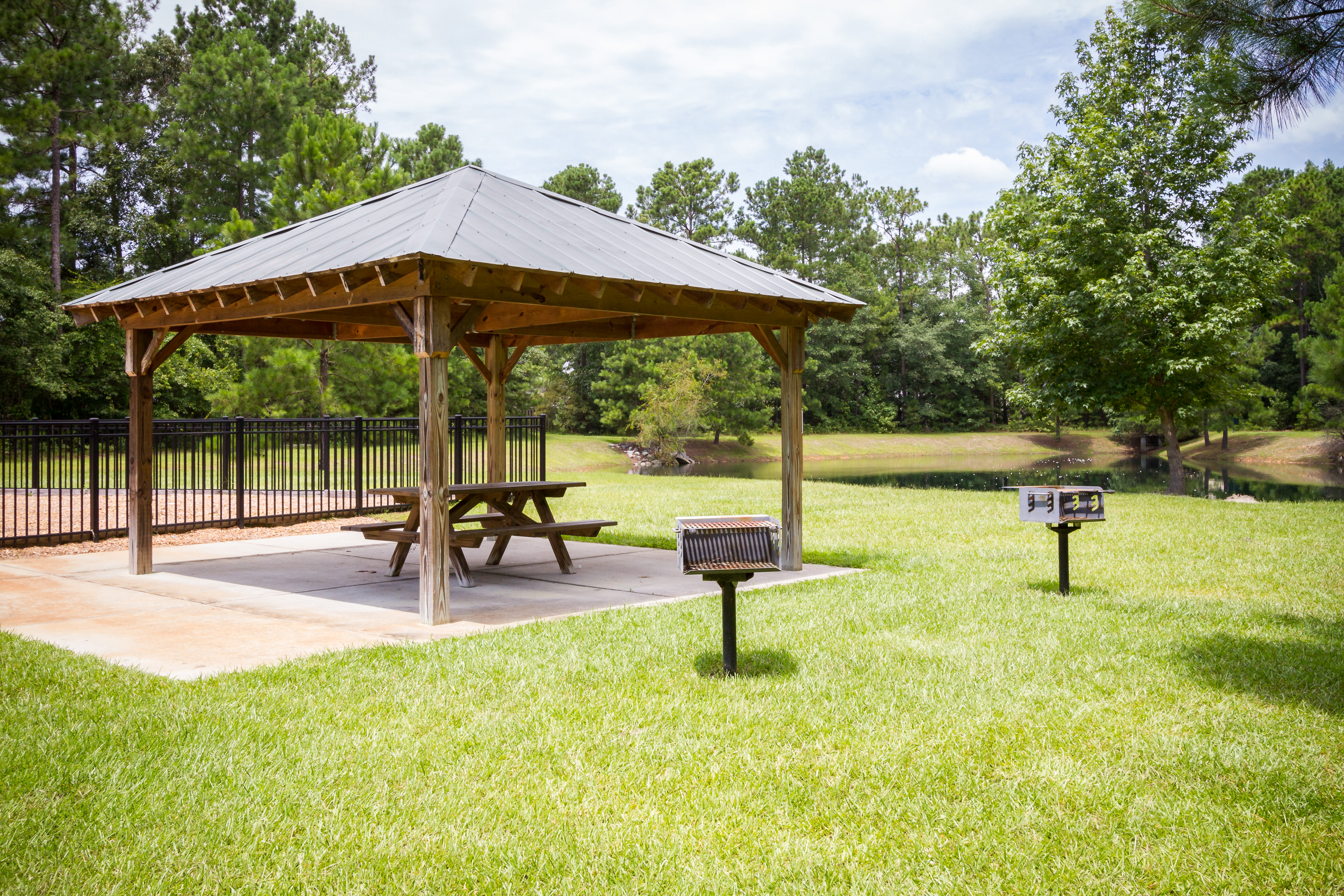 016--EASTWOOD_HOMES_Wynfield_Forest_Amenities+Monument_Summerville_SC_FULL.jpg