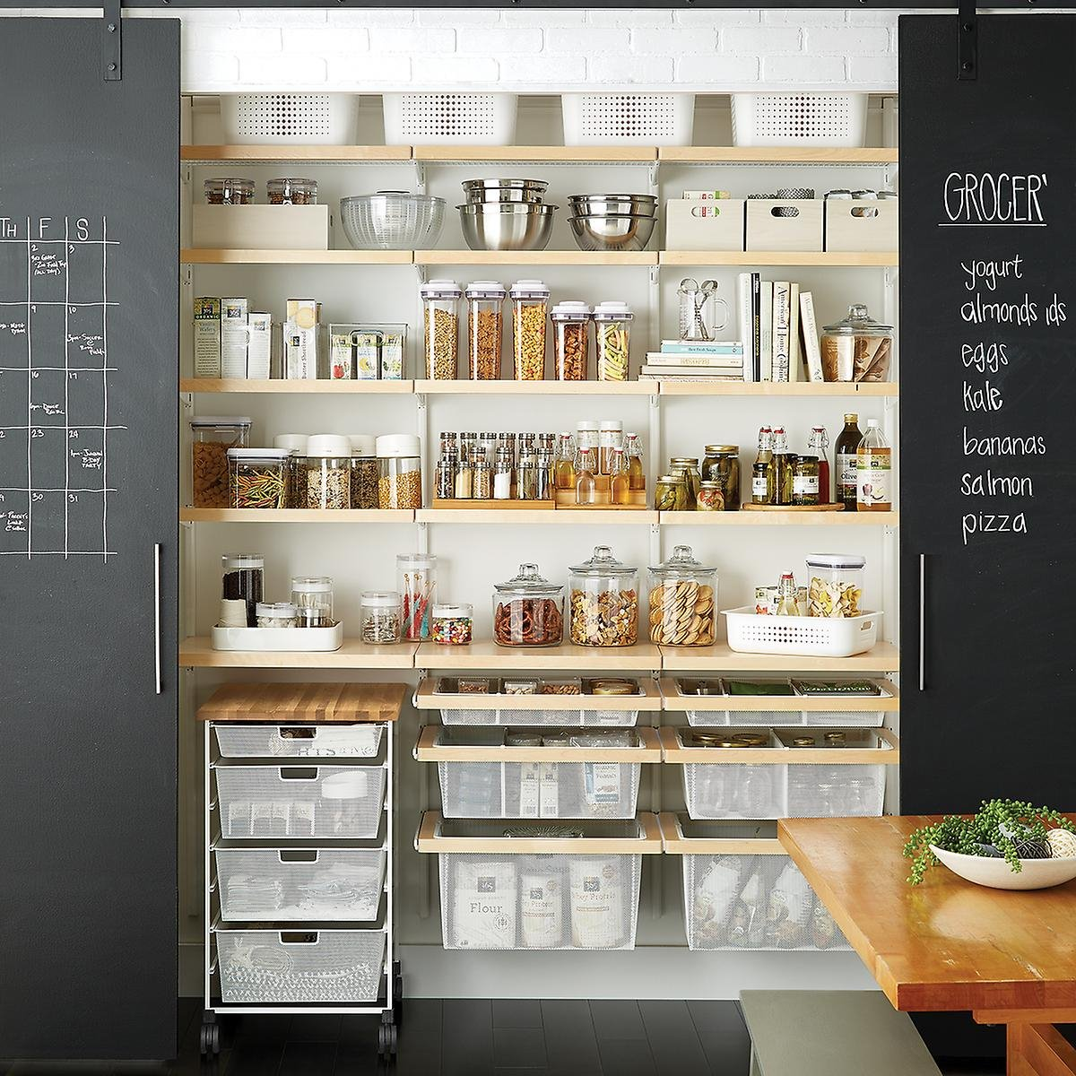 Organizated pantry