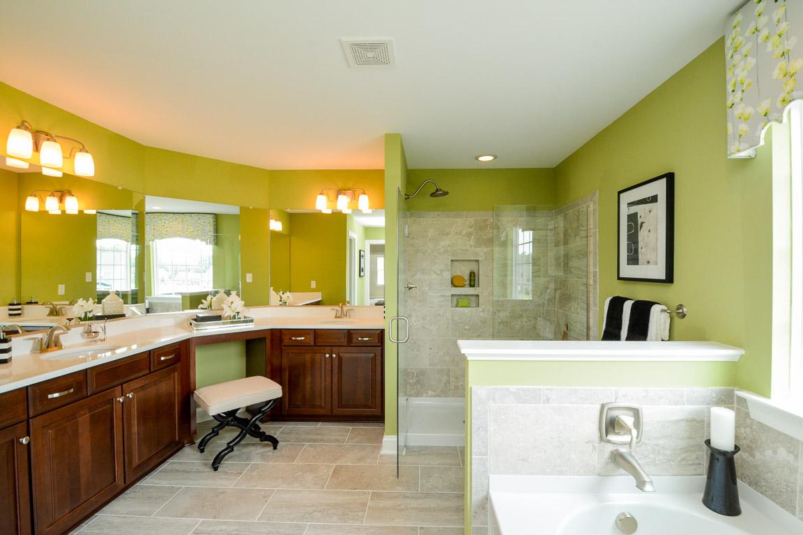 Charleston Owner's Bathroom