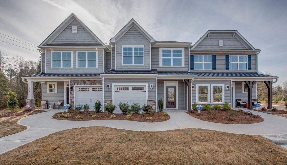 Enclave at Davis Lake Townhomes | Homes in Charlotte, NC on