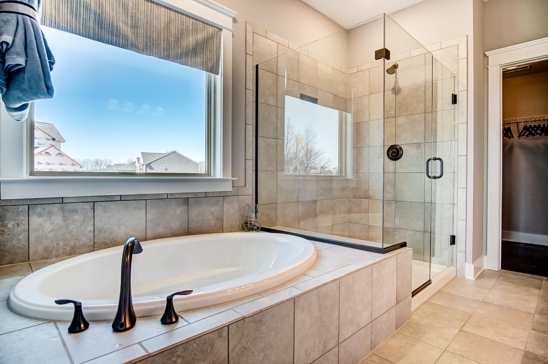 Raleigh II Owner's Bathroom
