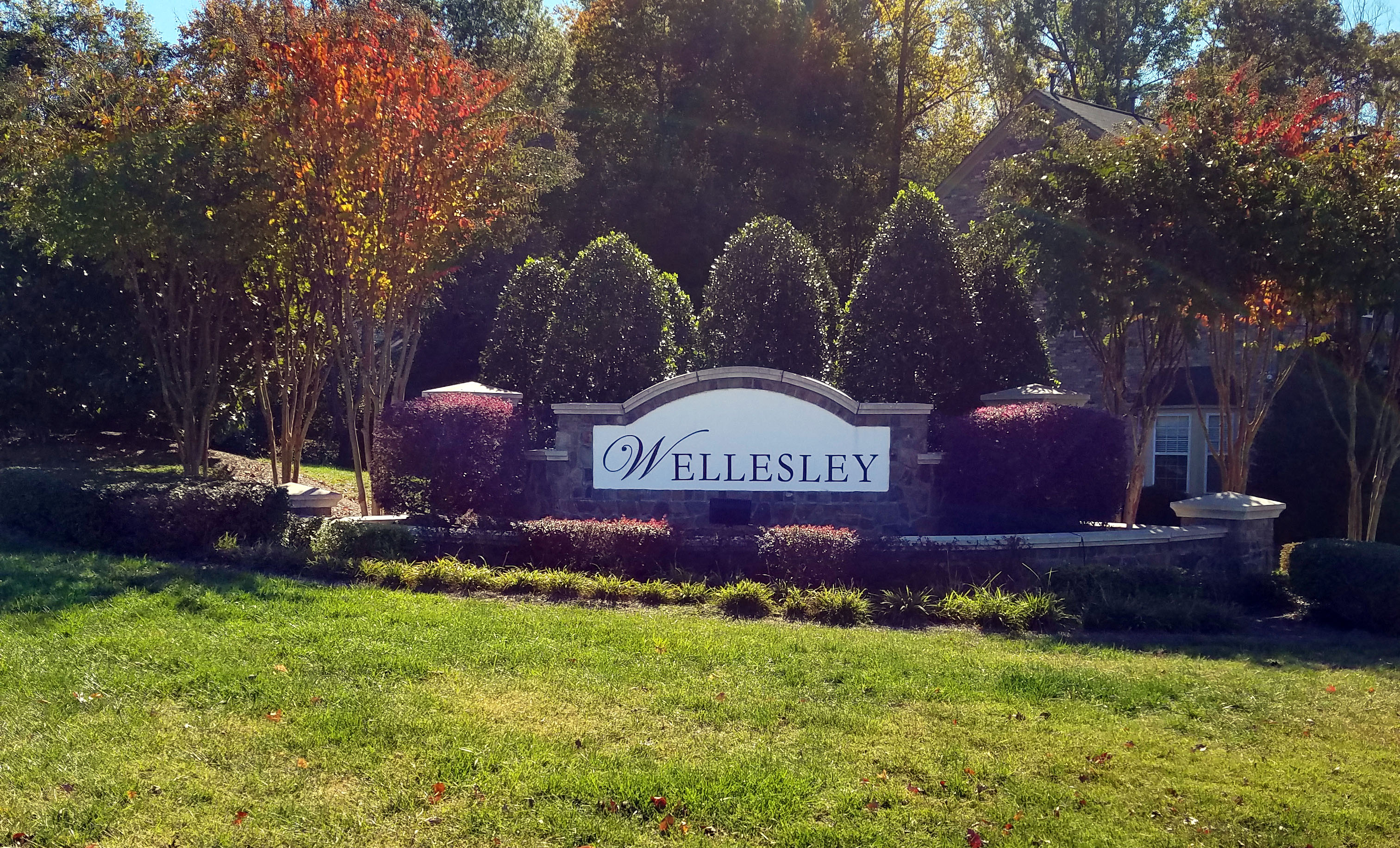 Wellesley Entrance Monument