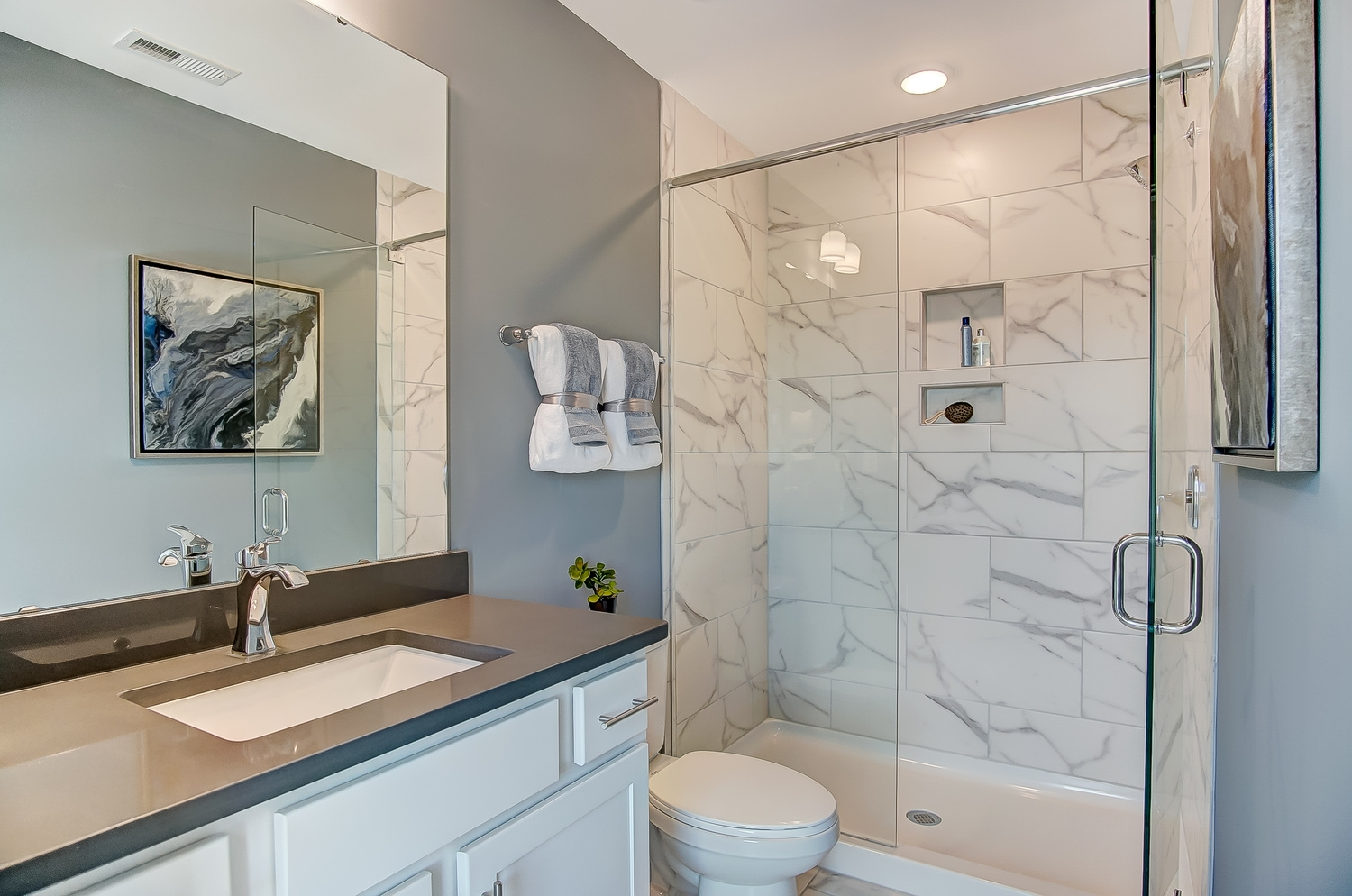 Cambridge Townhome Guest Bath
