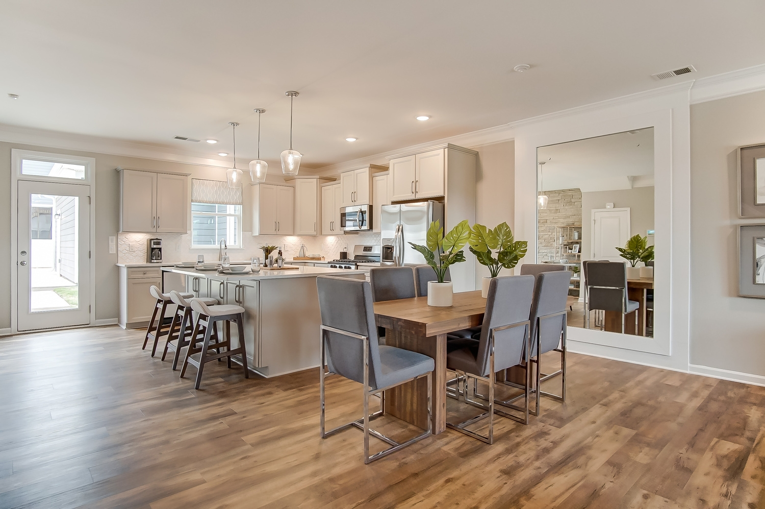 Kensington Townhome Dining Area and Kitchen