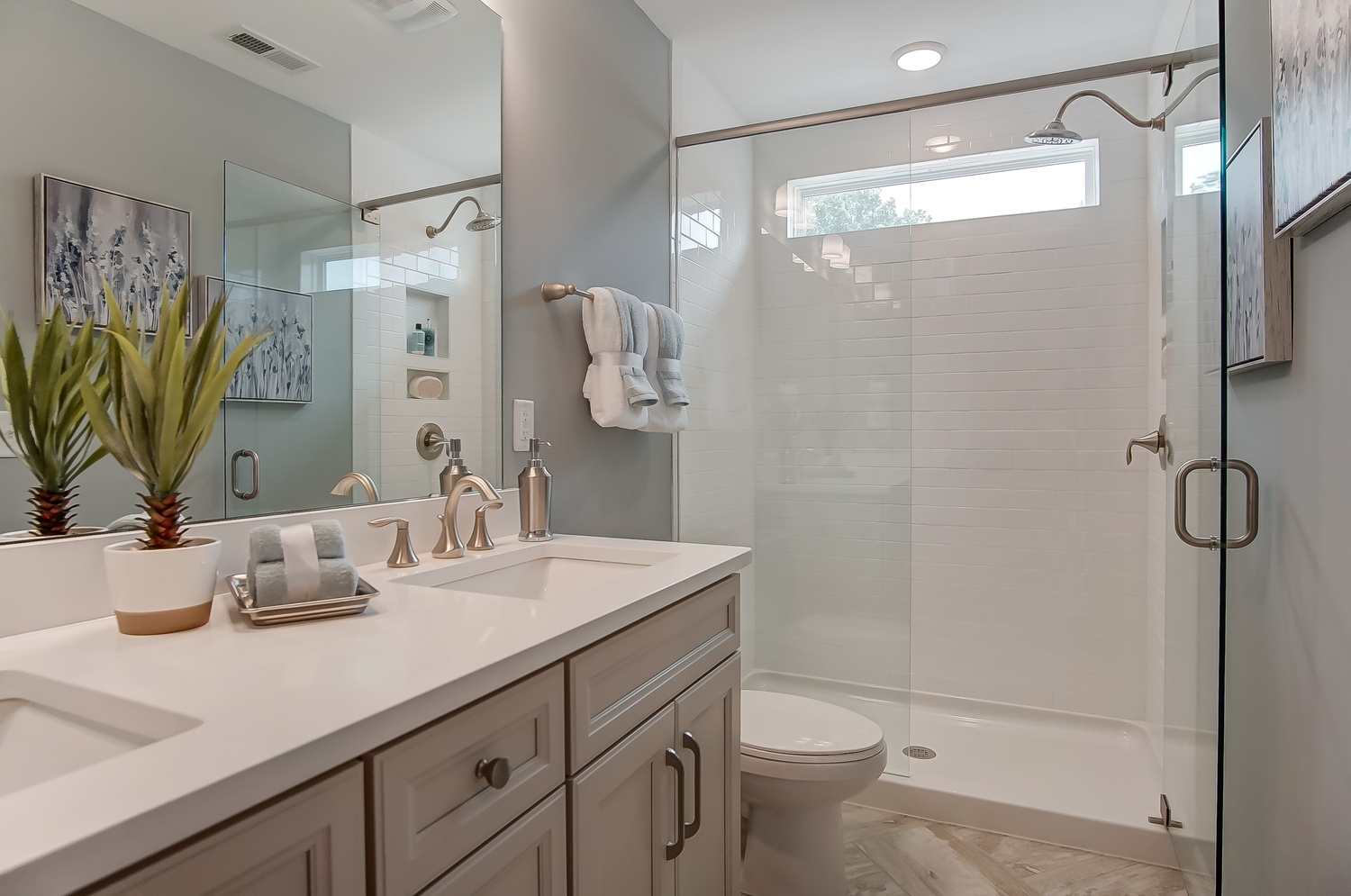 Kensington Townhome Owner's Bathroom