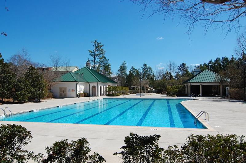 Lake Carolina Pool