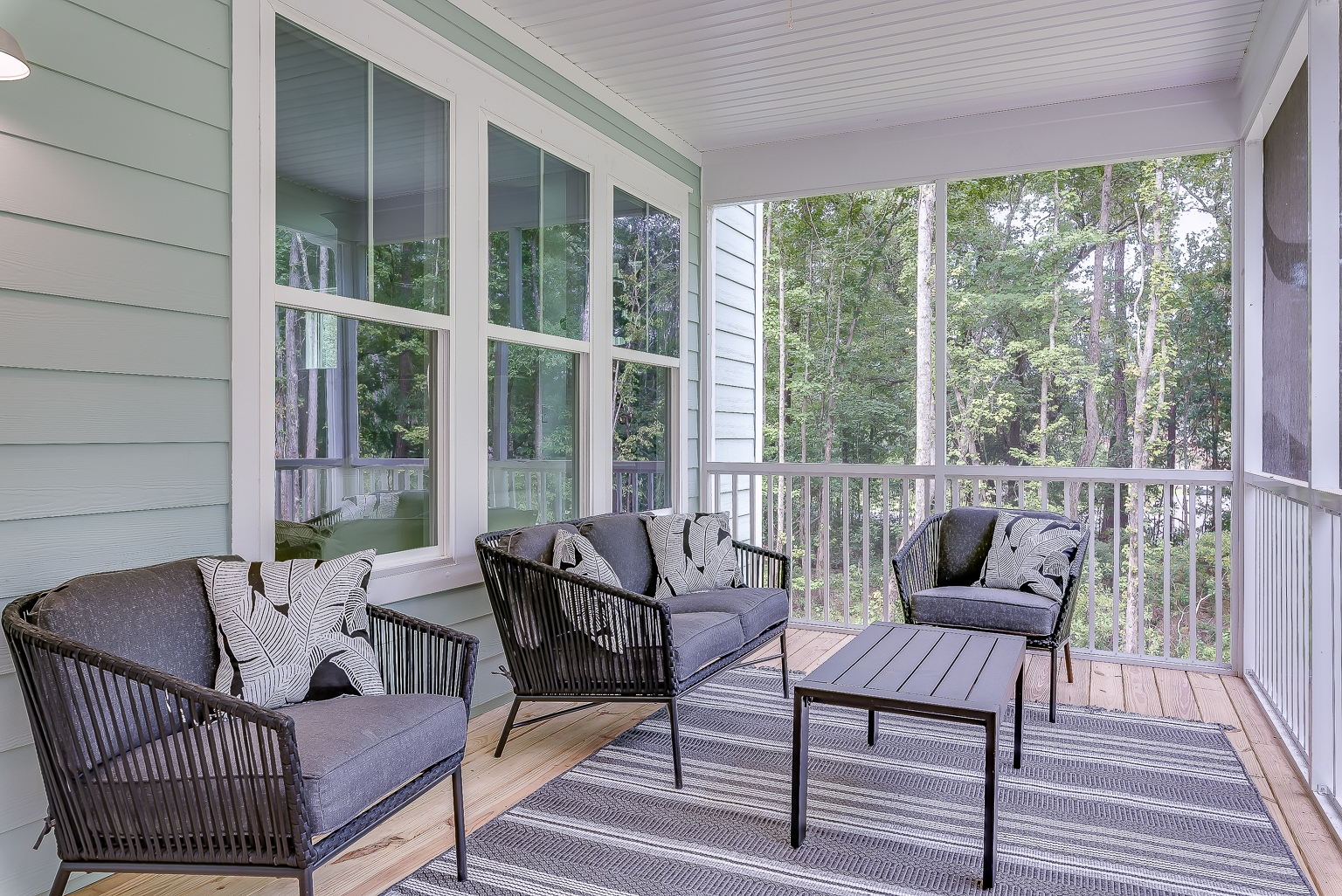 Vanderhorst Screen Porch
