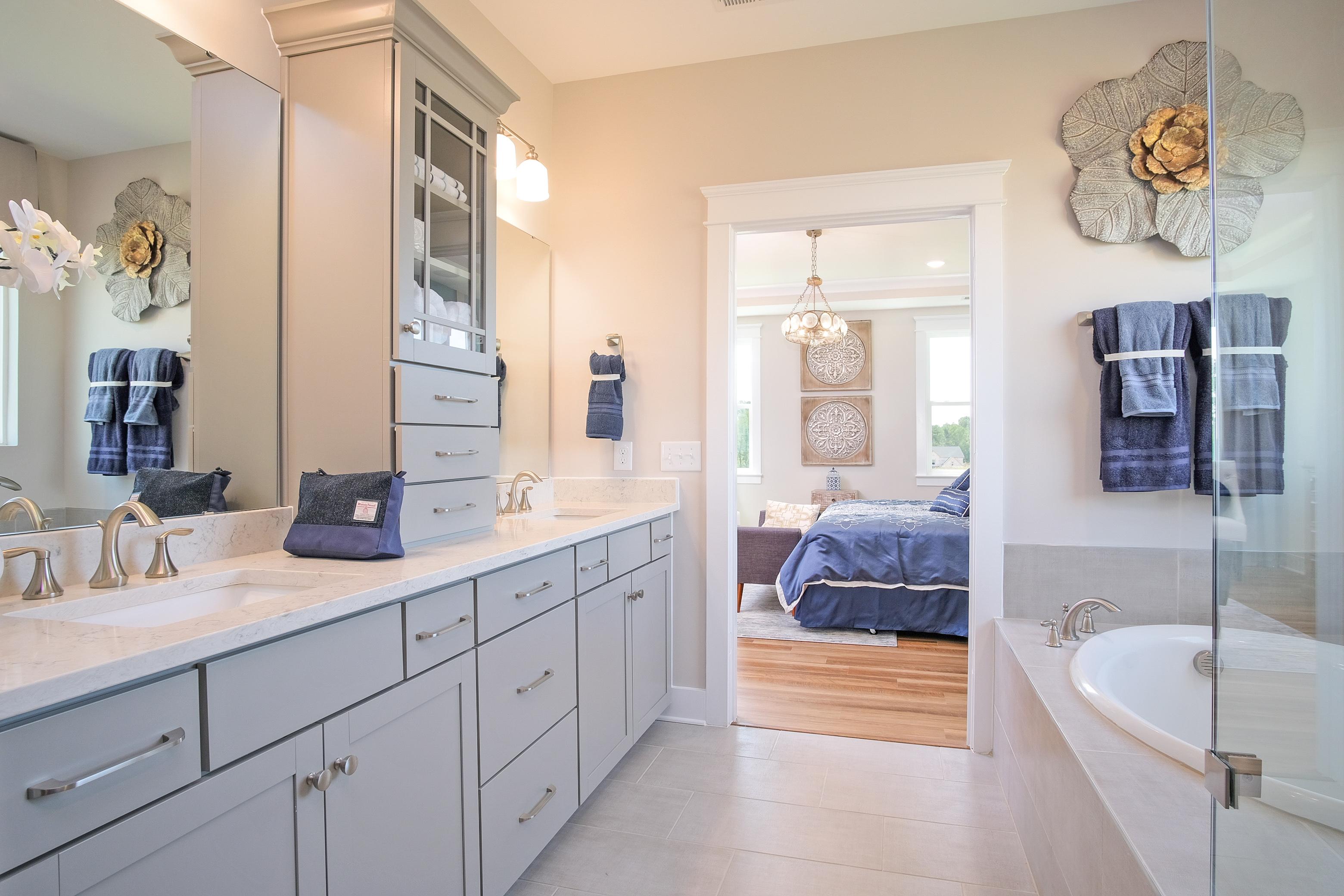 Edgefield Owner's Bathroom
