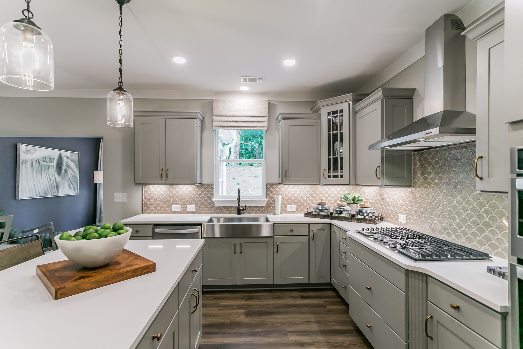 charleston-windsor knoll-kitchen.jpg